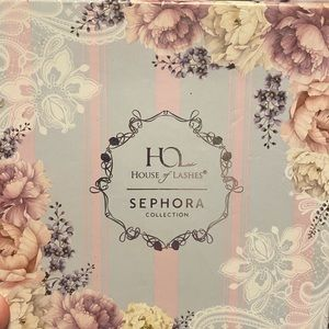 Sephora's house of lashes eyeshadow palette